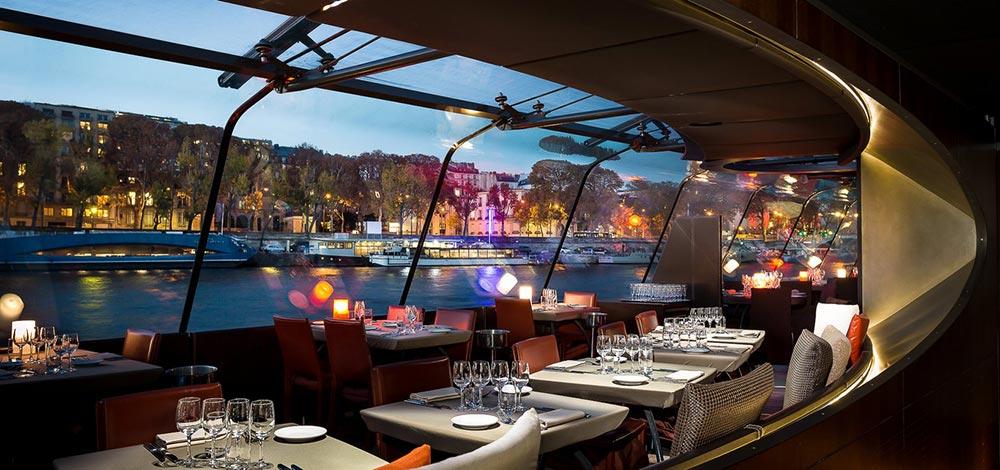 diner sur la seine à Paris